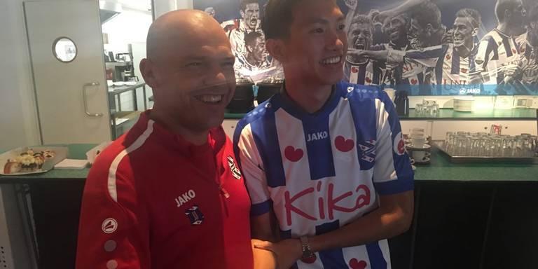 Đoàn Văn Hậu lập kỷ lục, HLV Heerenveen hết lời khen