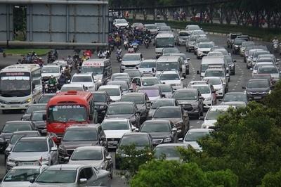 TP.HCM tăng phí đăng ký ôtô lên 20 triệu đồng