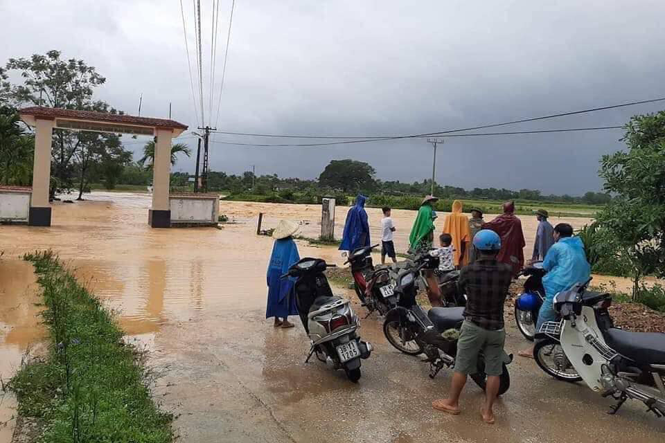 Xem xét lùi khai giảng nếu chưa an toàn ở nơi mưa lũ