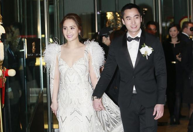 Chung Hân Đồng lên tiếng về tin chồng cặp kè loạt hot girl sau khi cưới