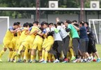 PM shows supports for players before World Cup qualifier in Thailand