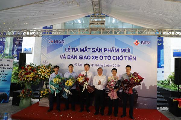 Ra mắt xe chở tiền đẳng cấp lắp ráp ở Việt Nam