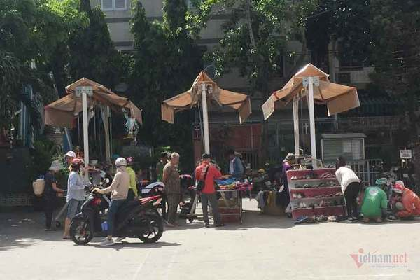Charity market for the poor in Saigon