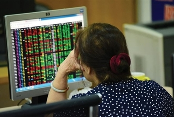 Trade wars, quarterly earnings to keep VN stocks down in September