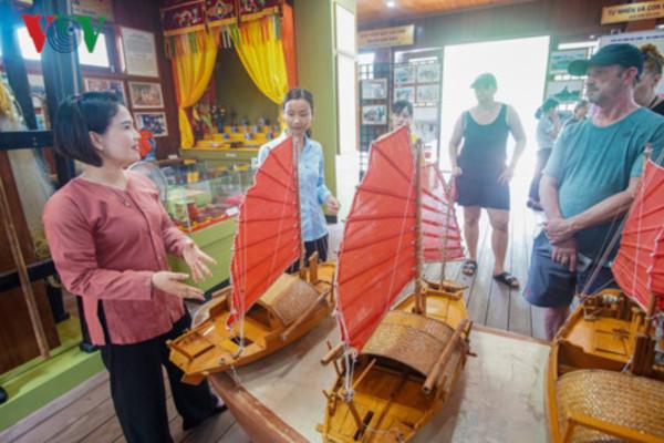 Livelihood and cultural preservation of Ha Long floating villages