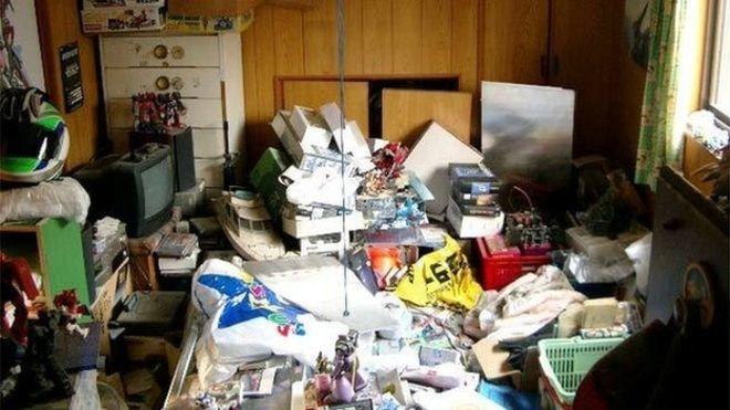 Đến thăm mẹ, người phụ nữ phát hiện điều khủng khiếp trong phòng ngủ