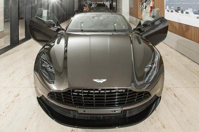 Siêu xe Aston Martin DB11 độc nhất Việt Nam giá 16 tỷ đã có chủ
