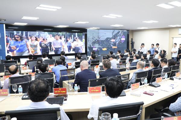 Quảng Ninh vận hành thí điểm Trung tâm điều hành thành phố thông minh