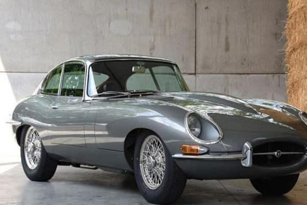 Xe cổ Jaguar bỏ xó 30 năm hồi sinh tuyệt đẹp bán 2,9 tỷ đồng