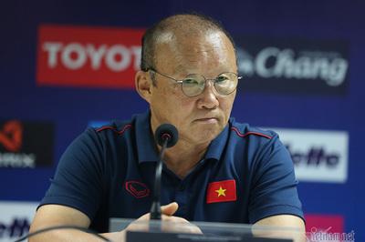 """Thầy Park """"sửa"""" Thái Lan, được lòng truyền thông Việt"""
