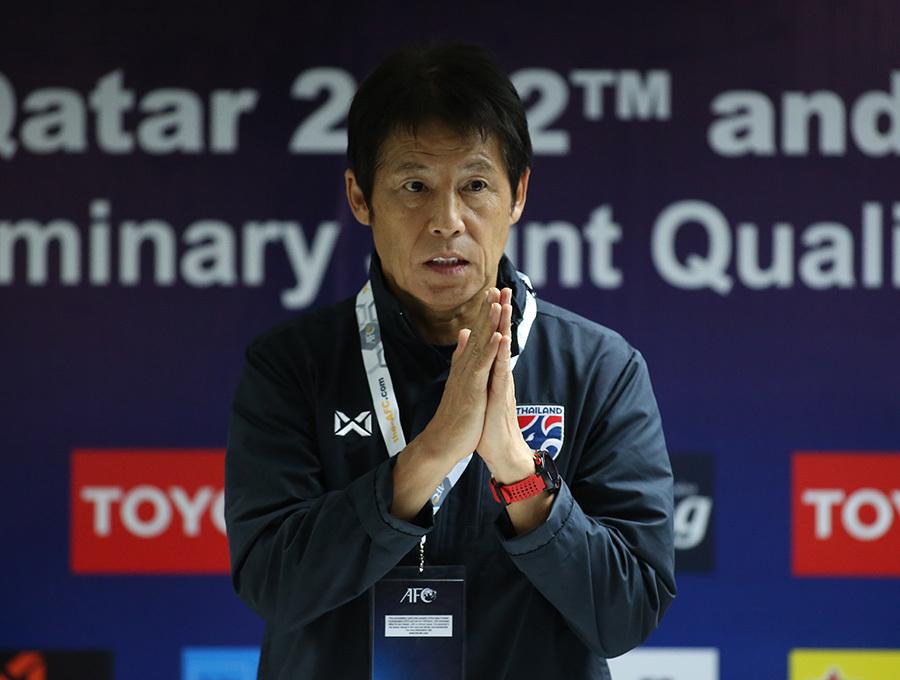 """HLV Akira Nishino: """"Thái Lan bị áp lực khi phải thắng tuyển Việt Nam"""""""