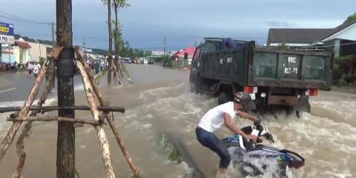 Overloaded infrastructure causes flooding on Phu Quoc