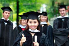 Overseas university graduates reluctant to return to Vietnam