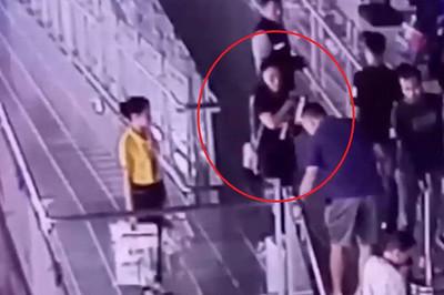 Du khách Trung Quốc bị bắt vì nhặt được túi nhưng giữ làm của riêng