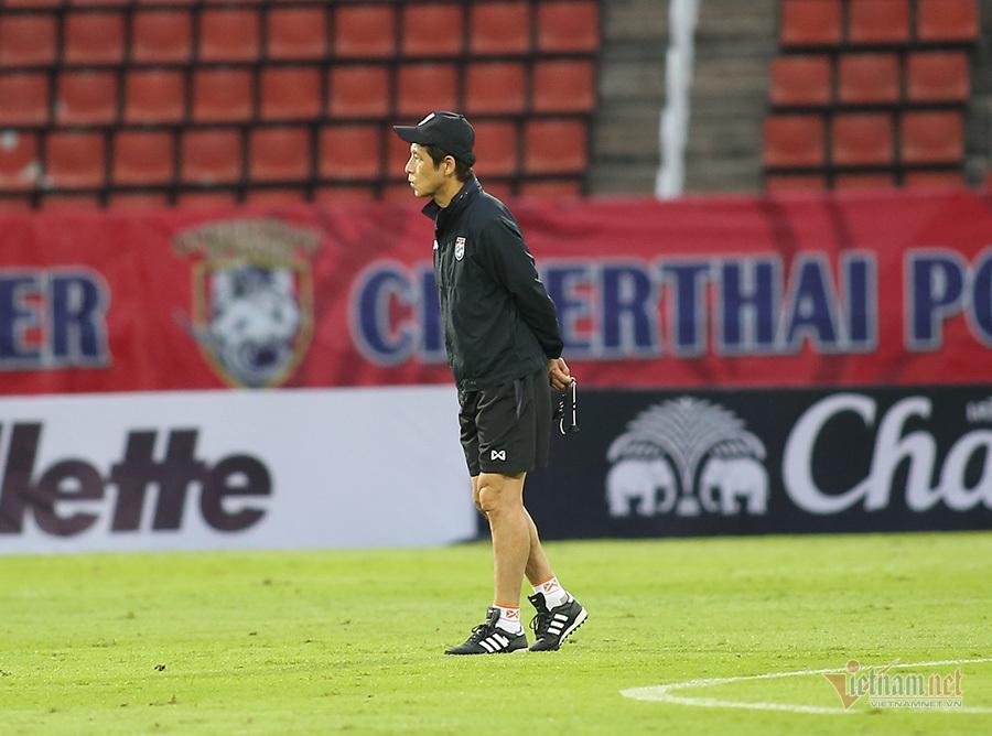 Messi Thái Lan đầy tâm trạng trước trận quyết đấu Việt Nam