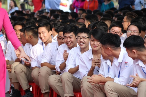 Over 24 million Vietnamese students enter new academic year