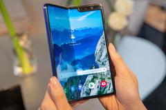 Galaxy Fold đến tay khách VIP trước, giá gần 46 triệu đồng