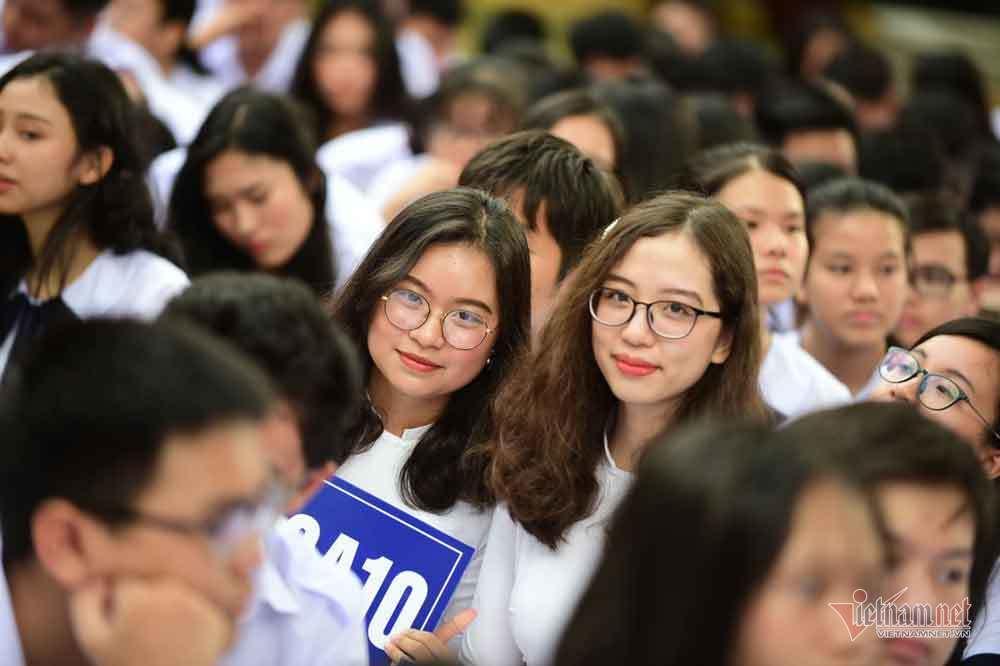 Hình ảnh 'đốn tim' của các nữ sinh ngày khai giảng
