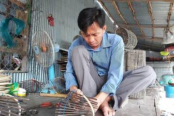 Mekong farmers adapt to low flood levels