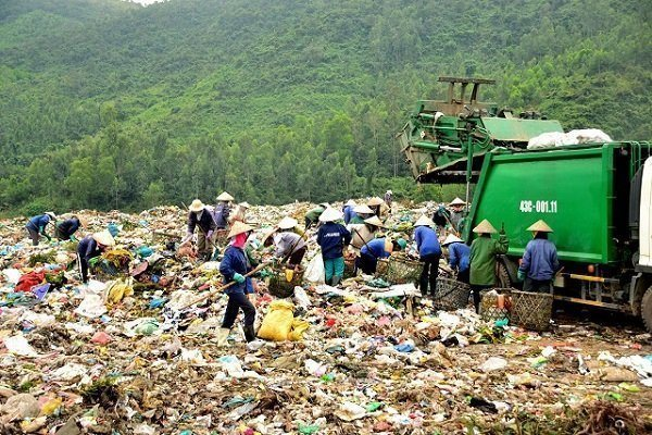 Da Nang plans to separate recyclable waste