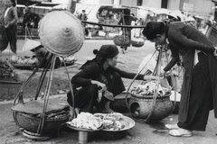 Exhibition tells about street vendors in Hanoi
