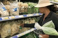 Vietnam struggles in fight against plastic waste