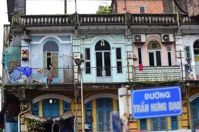 Sống ở chung cư 440 Trần Hưng Đạo: 'Sập vẫn phải ở chứ tiền đâu mà dời đi'