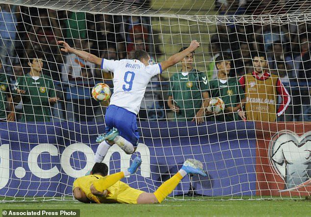Chơi hơn người, Italia thắng ngược Armenia
