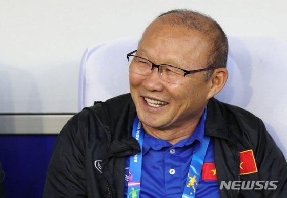Báo Hàn Quốc: Việt Nam hòa như thắng Thái Lan,  ông Park đấu trí hay
