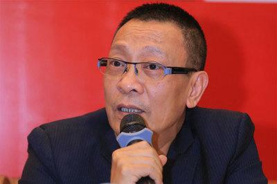 Sau trận Việt Nam - Thái Lan, sao Việt đặt biệt danh mới cho HLV Park Hang Seo