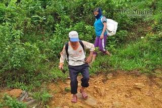Tình tiết bất ngờ khi bộ đội tiếp cận 6 người kẹt trong rừng vì lũ ở Hà Tĩnh