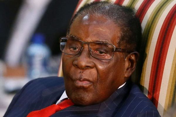 Cựu Tổng thống Zimbabwe qua đời ở tuổi 95