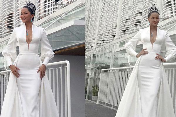 H'Hen Niê khoe khéo vòng 1 tại sơ khảo Hoa hậu Hoàn vũ Việt Nam