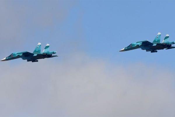 """Hai """"xe tăng bay"""" của Nga đâm nhau giữa trời"""