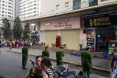 Sau 2 tiếng nổ lớn, người đàn ông đổ vật ở chung cư HH Linh Đàm