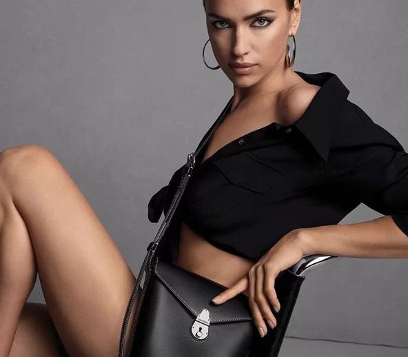 'Mỹ nhân đẹp nhất thế giới' khỏa thân để quảng cáo túi