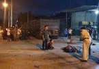 Vợ chủ garage ở Hà Tĩnh bị xe đầu kéo vào sửa lùi cán tử vong