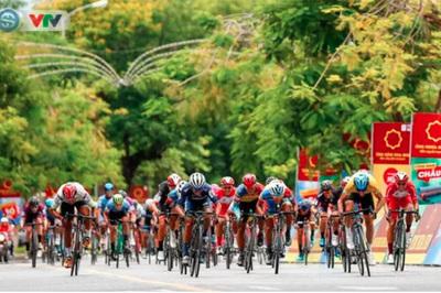 Chặng 7 giải xe đạp VTV Cup 2019: Áo vàng đổi chủ