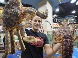 Có gì trong bữa ăn ngập hải sản khổng lồ 1.500 USD?