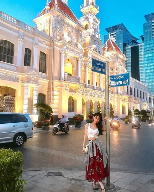 Mỹ nhân xứ Đài khoe dáng nóng bỏng ở Việt Nam: Kẻ bị chỉ trích, người được khen hết lời