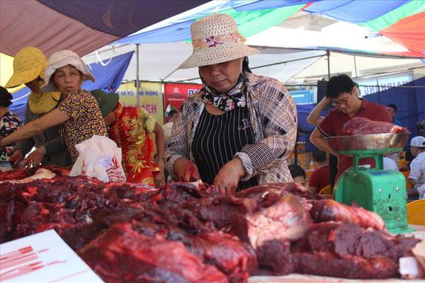 Thịt trâu chọi Đồ Sơn 2 triệu đồng/kg vẫn đắt khách