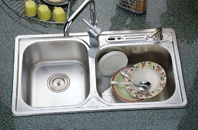 làm sạch nhà bếp