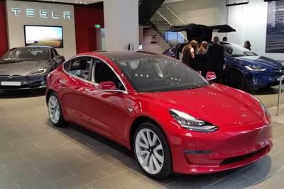 Tesla Model 3 thống lĩnh thị trường xe điện tại Mỹ