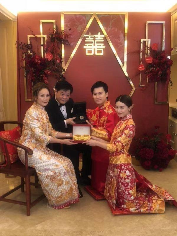 'Vương Ngữ Yên' Văn Vịnh San kết hôn với bạn trai đại gia