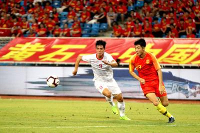 Báo Hàn trút mưa khen U22 Việt Nam, chê Trung Quốc đá buồn tẻ