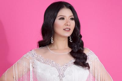 Triệu Trang bán nhà chi gần 4 tỷ ra mắt 9 album cùng ngày