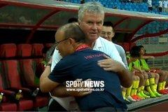Báo Hàn: Thầy Park nhẹ người khi Hiddink chia tay U22 Trung Quốc