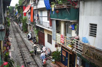 Một ngày ở xóm du lịch đặc biệt nhất Hà Nội