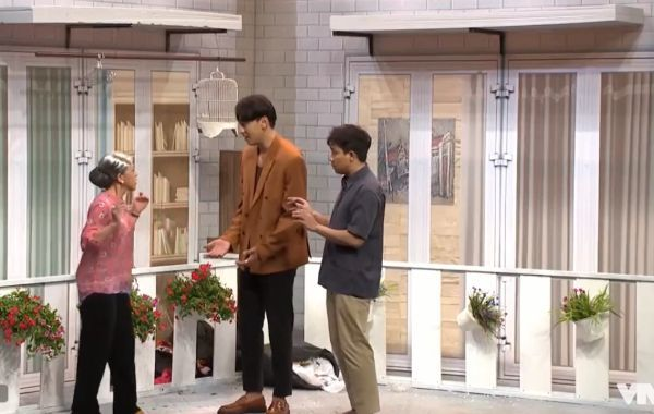 Trấn Thành kêu la cầu cứu, báo công an vì bị 'bạn trai' hành hung