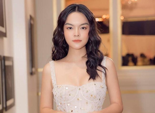 Quỳnh Nga,Trizzie Phương Trinh